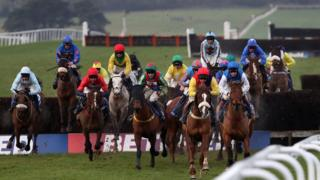 Coral Welsh Grand National Day w Chepstow Racecourse